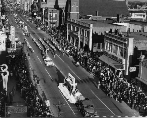 Charlotte Mecklenburg Library's Robinson-Spangler Carolina Room provides a history on Charlotte's Carousel Parade  and Thanksgiving Day parade.